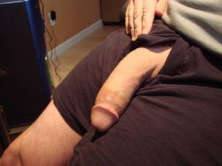 Now thats a very nice thick cock....mmmmm, that would fill my mouth nicely...Mmmm, it makes my pussy wet.  K