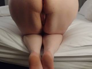 Melissa\'s bare ass and bare feet are ready for you to enjoy!