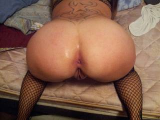 beautiful pussy and wonderful asshole - would be a sheer delight to lick, suck, nibble, finger and fuck both - together with hubby of course! :)