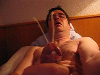 OMG I wish that I could havve swallowed that nice Hot Load of CUM. YUMMMMMMMMMMMY :-)