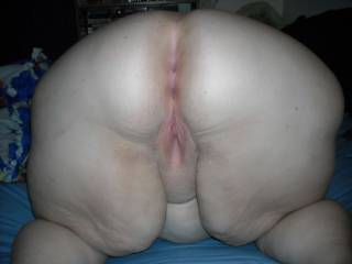Well if he don't show up look me up cause I want all that asshole pussy and bellie, bbw are the best!!