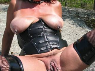 oh wooow!!! just want to suck on your tits while I got 2 fingers up your juicy cunt untill your wet and sloppy them tongue fuck you while fingering your tunnel till you climax in my mouth then fuck that love hole and cover you in sticky warm spunk mmm...sexy hot pic