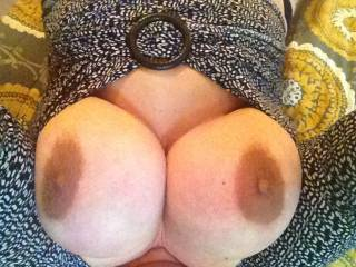 Ohhh wow!! I wish I were w straddling your face, my cum filled balls filling your mouth as I thrust my cock between your massive silky soft breasts and reverse titfuck you =)