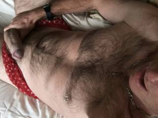 Hairy and pantied. Any ladies like the mix? X kimmi