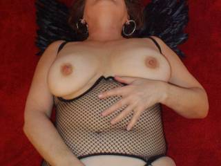 Miss Seeker spreads her wings and gets horny as a dark angel