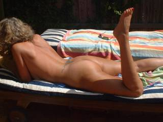 Gorgeous tanned body, nice butt,I'd love to continue that fucking