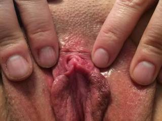 Shaved or Unshaved  that is one beautiful pussy!!
