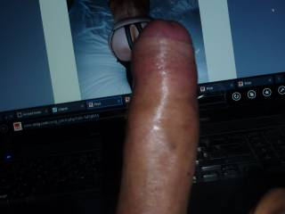 who wants my hard cock in front of hot ass pics ?