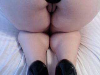 waiting for him to pull the plug out and fuck me in the ass