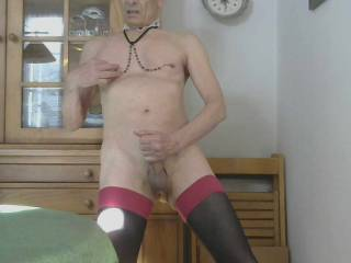 Want me as your cumslut and play