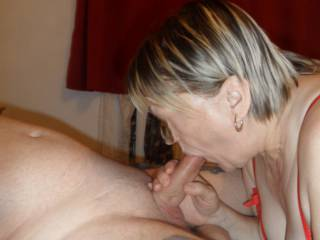 hi all can not get enough of hubbies hard cock in my mouth dirty comments welcome mature couple