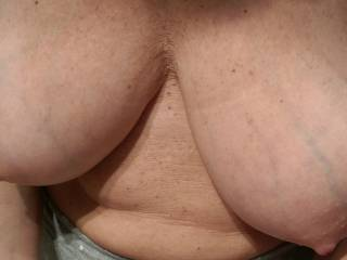 my wife\'s big breasts