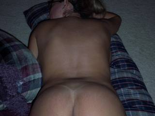 oh dam i would love to enjoy the view. dam that butt is sooo wonderful. dam one sexy lady. wow.