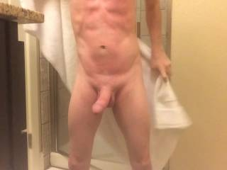 Mmmm I like a guy who can move his cock on command.  Would like to be on the floor infront of you, so you can slap my face w/your cock!!