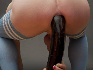 Big rubbertoy up the ass...