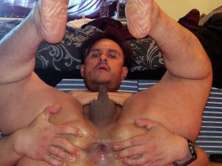 my spread hole and feet any couples, women and guys who\'d like to use me right?