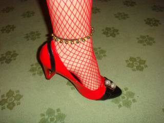 i'd love to lick your feet, suck your toes, and i bet they smell fantastic out of those heels mmmm