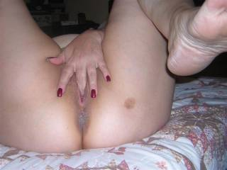 I'd like to watch you as I suck your toes and lick your feet!! Very sexy!