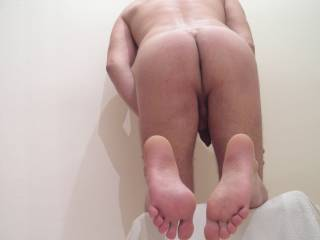 Such a hot sexy ass... and I would lick and suck those feet and toes