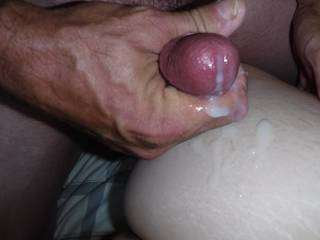 Her husband put the camera down and cleaned off her ass and munched her cream pie  till she was cumming so loud i think the neighbors heard... So cool!
