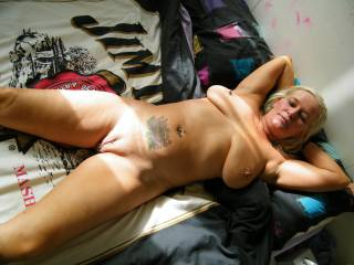 love those tits babe! would lovvee to fuck you :)