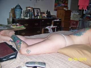 well i wish mine was inside her. great butt.  dam sexy