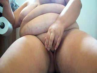 absolutely lovely body, your titties are great and your shaved pussy would be fun to eat. it looks so inviting, love the way you fuck yourself with your dildo. got me hard