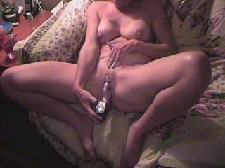 super hot body on that sexy lady there would love to lick your clit for you while you use that