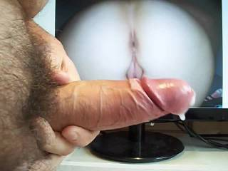 on request of a zoig-friend I wanked my cock and shot my cum all over his wife's awesome ass. Here is the cumshot.
