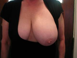 can you give me a try i love the look of your lovely burbly breast and i will give you the best sharg ever please get contact