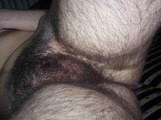 I would love to empty my balls on those hairs.
