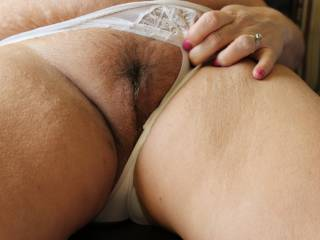Nice wet trimmed pussy.