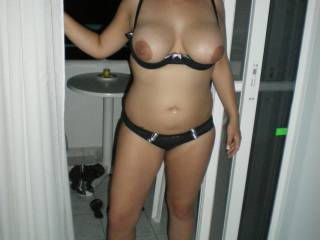 wife with tits out with heels on fortheo1ht1
