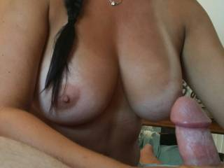 OMG what a view!! I want to wank this magnificent cock with you