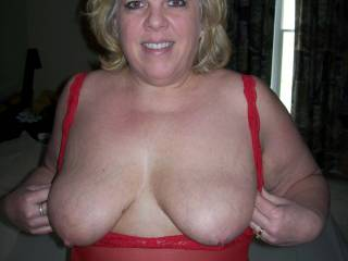 Do they really like my tits???  Mrs Daytonohfun wants to know what her zoig fans think of her pierced nipples...