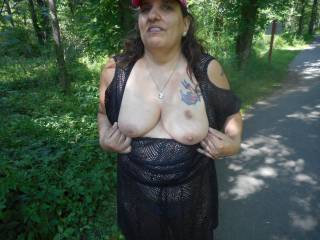 I want to cum on those nice tits just like that
