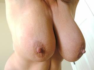 Hanging big titties