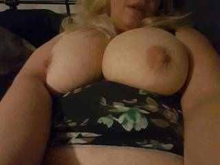 A quick selfie while the hubby\'s at work showing him what he\'s got to come home to. Any tributes welcome on this one