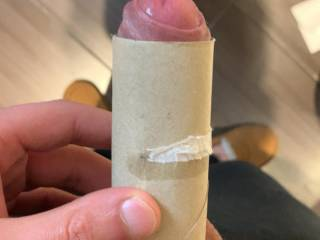 My thin cock, do u fit in the paper rol?