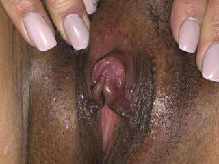 Sucking on her clit till it got nice and juicy