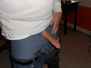 Love to lick and suck that nice big cock