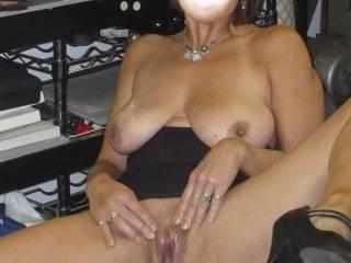 Mmmmmmmmmmmmmmmmmmmm id love to spread your tight little pussy wide open & bury my tounge deep inside you & taste your pussyjuice