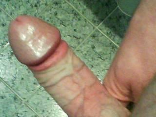 hard throbbing cck  who wants it?