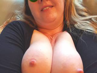 Nice and close, my heavy milk filled tits squeezed together for you... what are you waiting for?