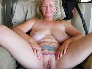 mmmmm awesome babe very suckable hole and tits mmm