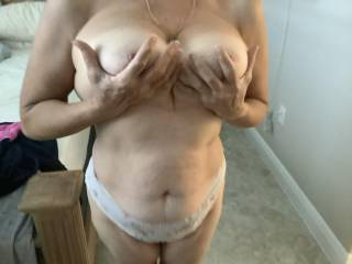 Wife loves showing her boobs