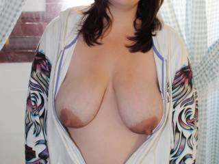 hope you joined her...great figure and wonderful boobs