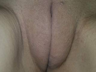 Who loves this fat juicy pussy?