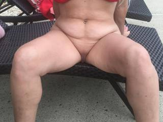 Tell me what should I do with this sexy woman