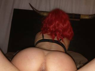 I love asses and assholes! Do u like her ass and asshole? It does taste delicious!